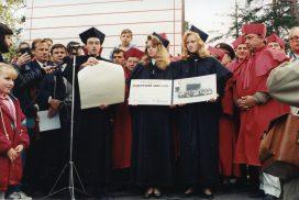 Воручение первого студенческого билета 1994 (16)